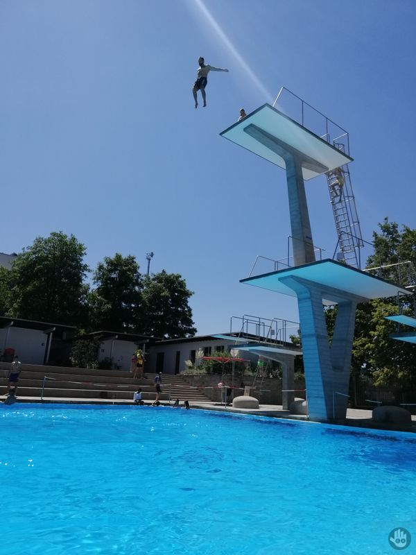 Jumping 10 meters to the swimming pool. Refreshing!